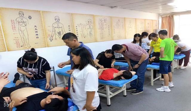广州零基础中医针灸培训机构-小班制正骨整脊培训,推拿培训