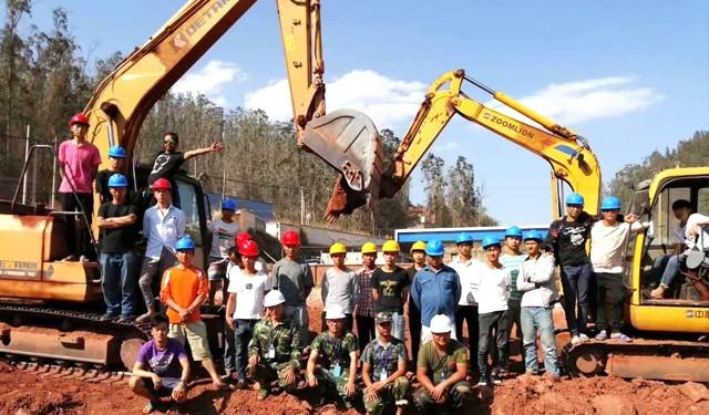 西安挖掘机培训 西安装载机考试 陕西铲车报名