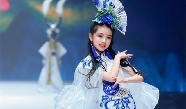中育為-[藝術/美術書法]濟南市孩子O型腿少兒形體培訓模特培訓提高專注力